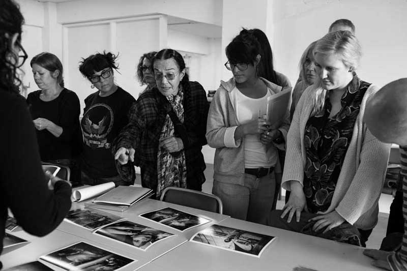 Mary Ellen Mark with Students at Iceland workshop 2013 | Photo Xpeditions