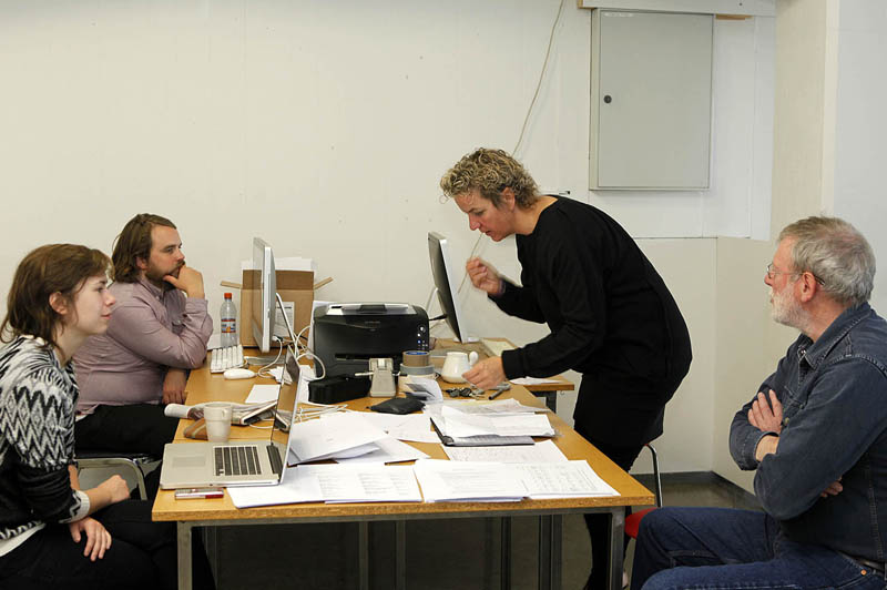 Martin Bell reviewing work with Students on workshop Iceland 2012 | Photo Xpedions