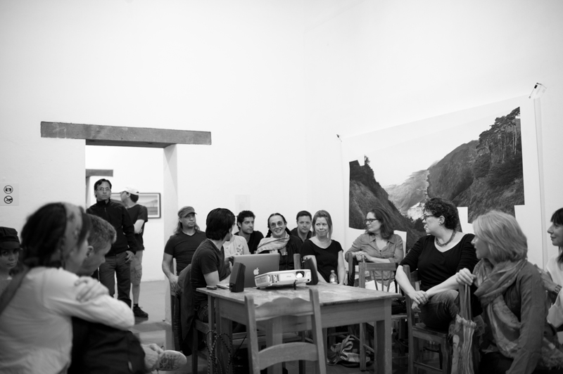 Mary Ellen Mark with Students on workshop Oaxaca 2013 | Photo Xpedions