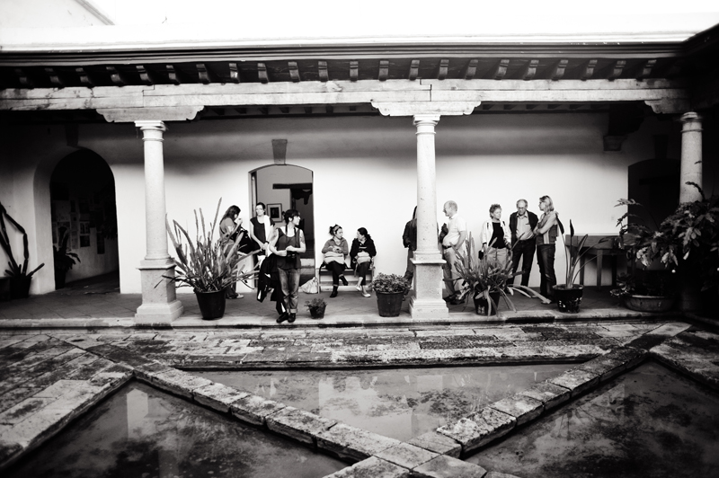 Mary Ellen Mark with Students at Oaxaca workshop 2012 | Photo Xpeditions