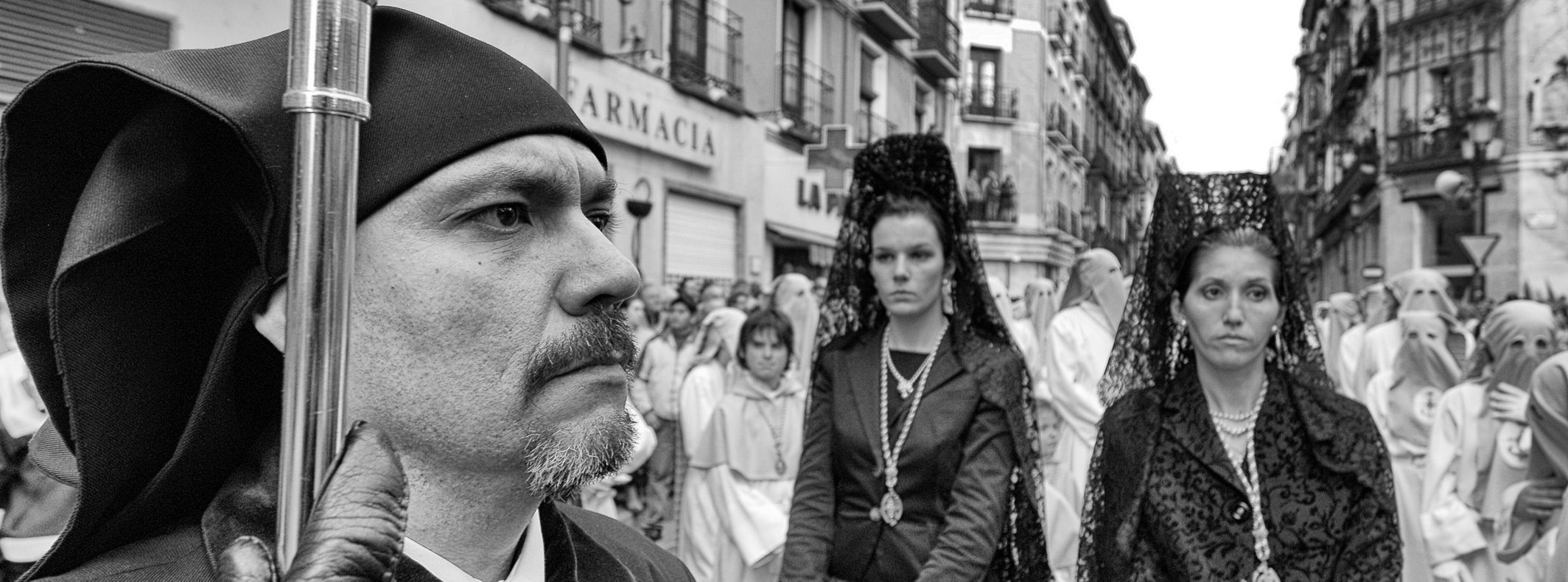 EASTER IN SEVILLE: A PHOTOGRAPHIC EXPLORATION OF A SPANISH TRADITION